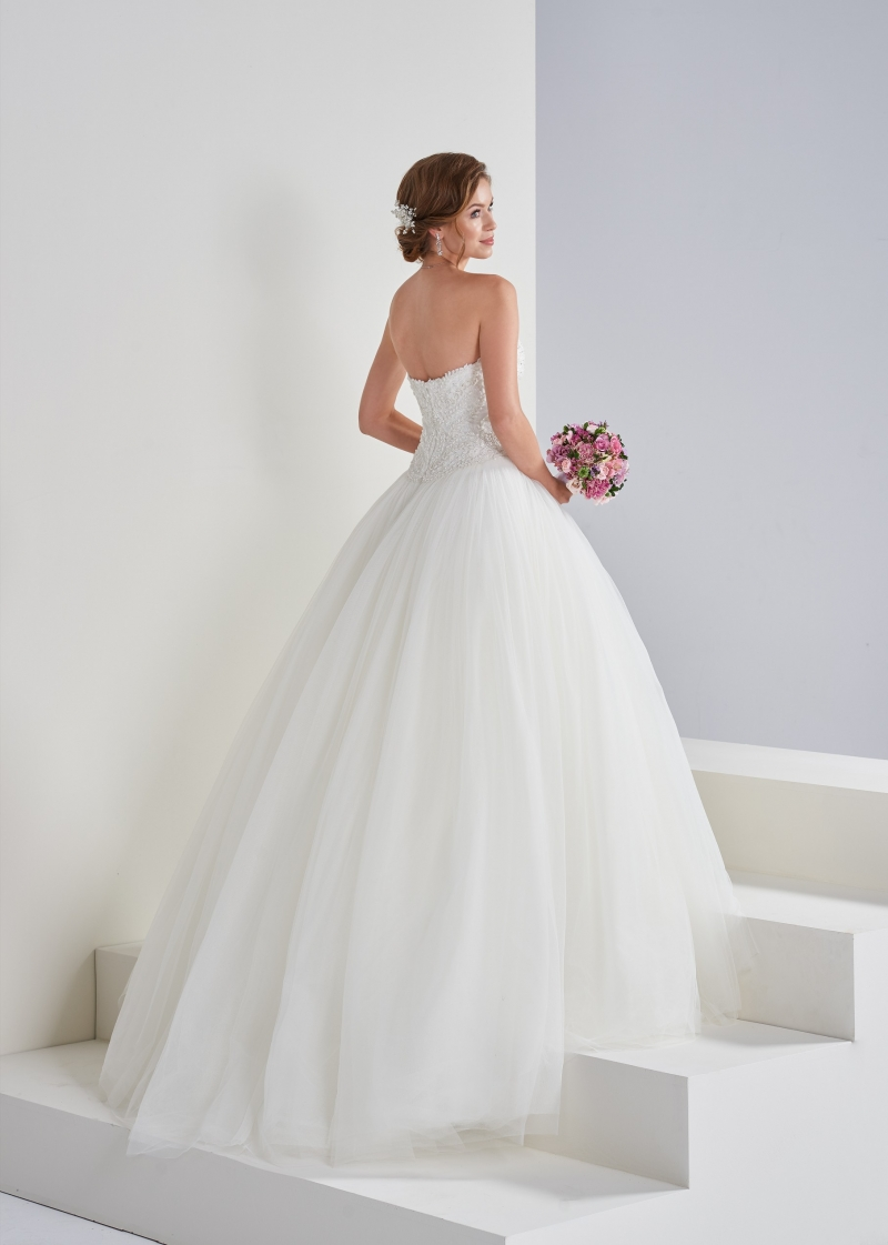 Weddingdress Affezione Abigail back