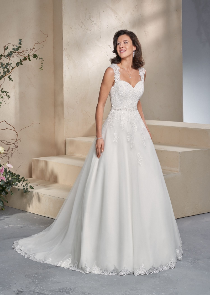 Weddingdress Affezione Abbey - Front