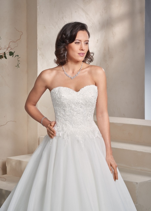 Weddingdress Affezione Atlas - Closeup